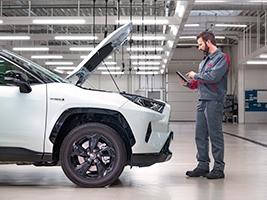 """Тойота Центр Вінниця """"Преміум Моторс"""" приймає замовлення на новий Highlander"""